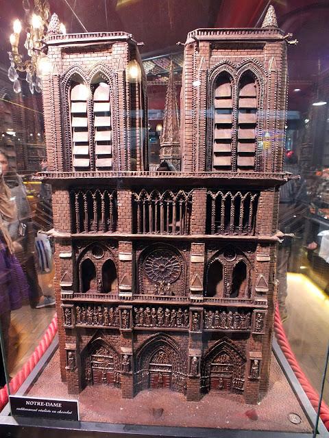 Notre Dame de chocolate