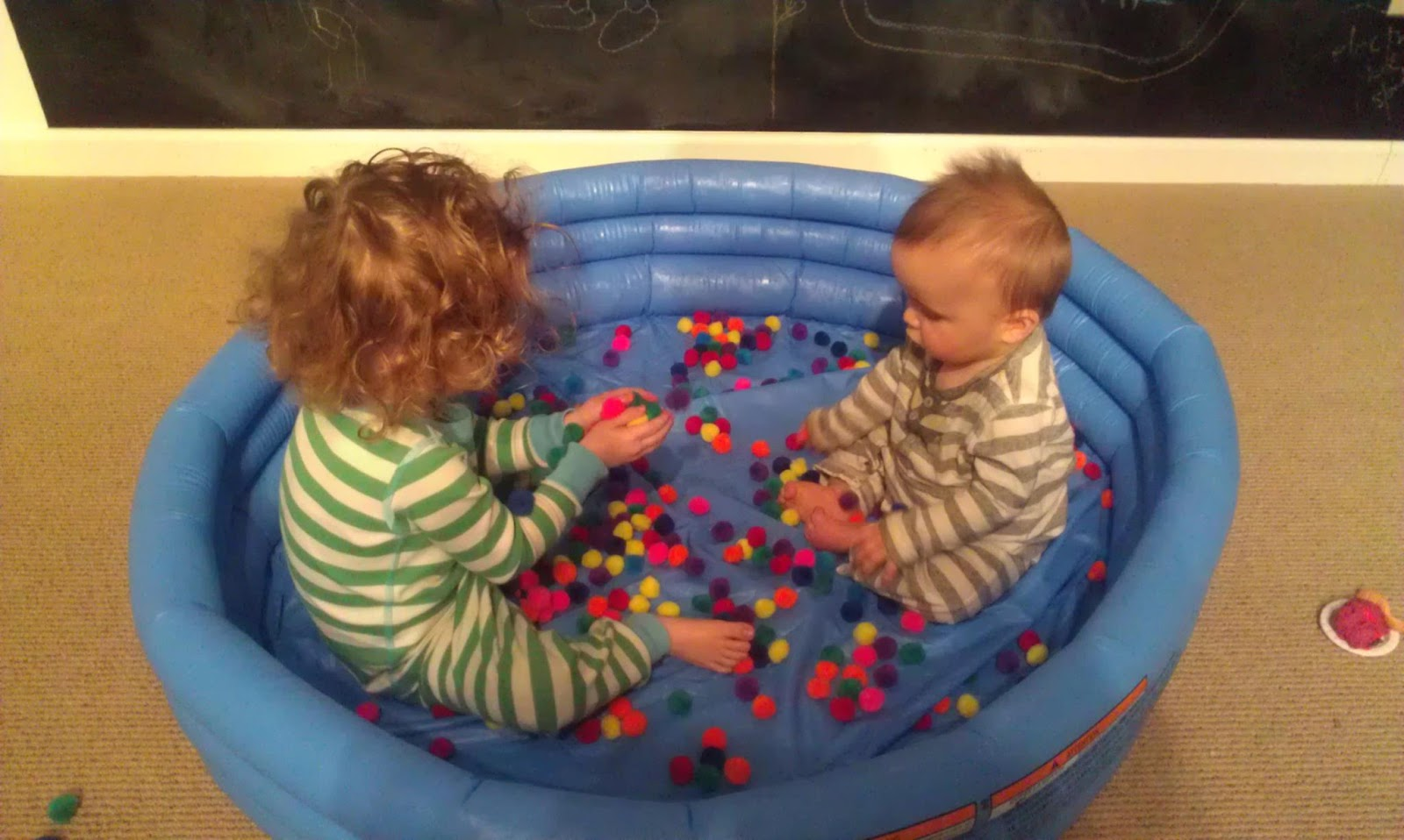 Best Baby Toys For 8 Months Old : First sensory experiences: what age is best?