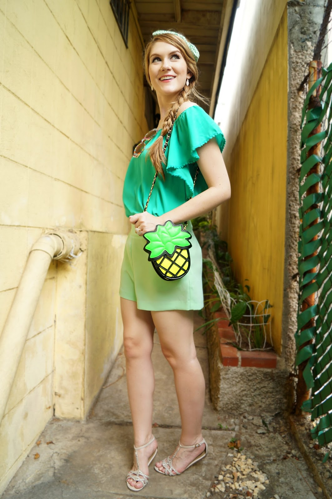 Click through for more pineapple inspired outfits!