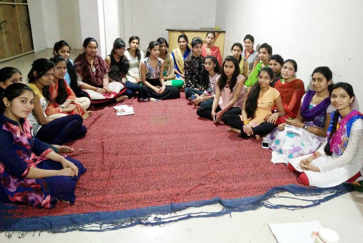 rajput-karni-sena-female-child-meeting-establish-jhabua-श्री राष्ट्रीय राजपूत करणी सेना विरांगनाओं की बैठक हुई संपन्न