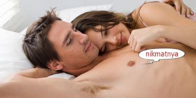 Membayangkan Orang Lain Saat Ngseks dengan Pasangan, Normal kah