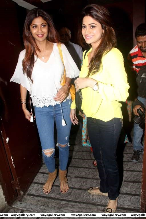 Shilpa Shetty and Shamita Shetty were snapped outside PVR cinemas