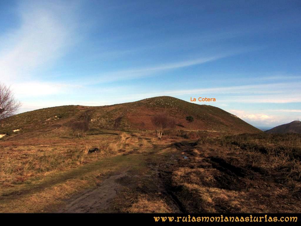 Ruta Sierra Bufarán, picos Degollada o Grande y Cotera: Camino a la Cotera
