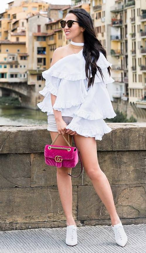 gorgeouse summer outfit / white ruffle blouse + shorts + velvet bag + heels