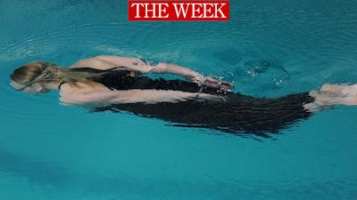 ანა ლომინაძე ხელფეხშეკრული ცურვა
