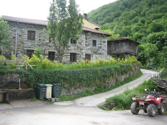 Rutas Montaña Asturias: Inicio ruta al pico Faro y Huevo en Rio Aller
