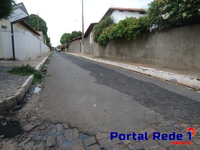 Justiça determina recuperação de calçamentos de obras do saneamento sanitário em Pedro II