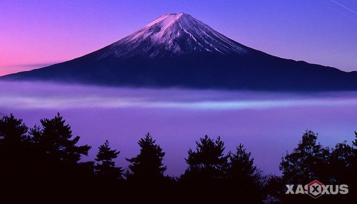 10 Arti Mimpi Gunung - Gunung Meletus, Naik Gunung, Melihat Gunung, dan Lainnya