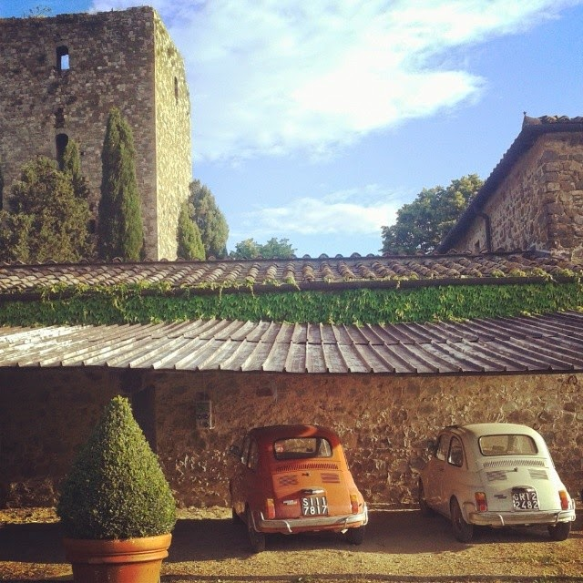 Mozzarella and Pomodoro - vintage Fiat 500 and the tower of Argiano