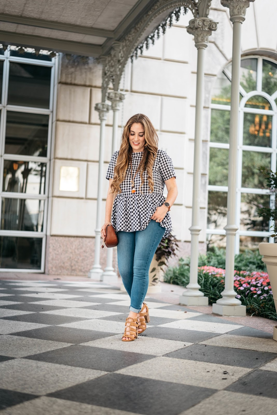Why You Should Try Lace Bralettes Top This Summer by fashion blogger Laura of Walking in Memphis in High Heels