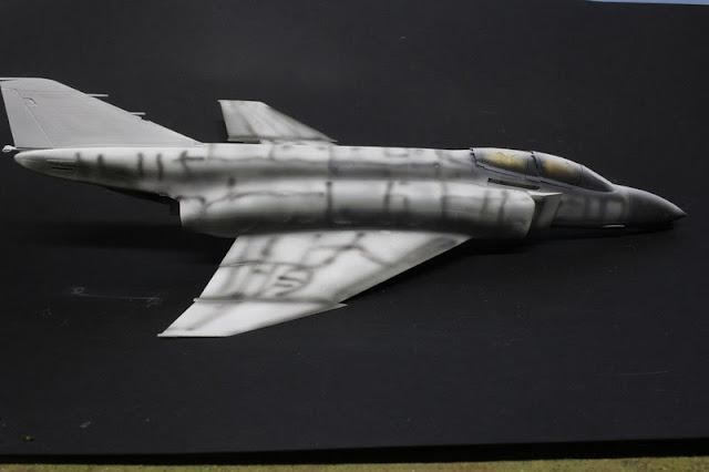 F-4B Phantom II,Eduard 1/48, la peinture zénithale.
