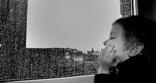 Kinder haben ein Recht darauf, ihre eigenen Erfahrungen zu machen. Wenn diese Erfahrungen jedoch mit Trauer und Leid verbunden sind, leiden auch die Eltern.
