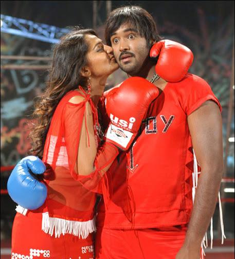 Anushka Shetty kissing actor, Anushka Shetty hot in red