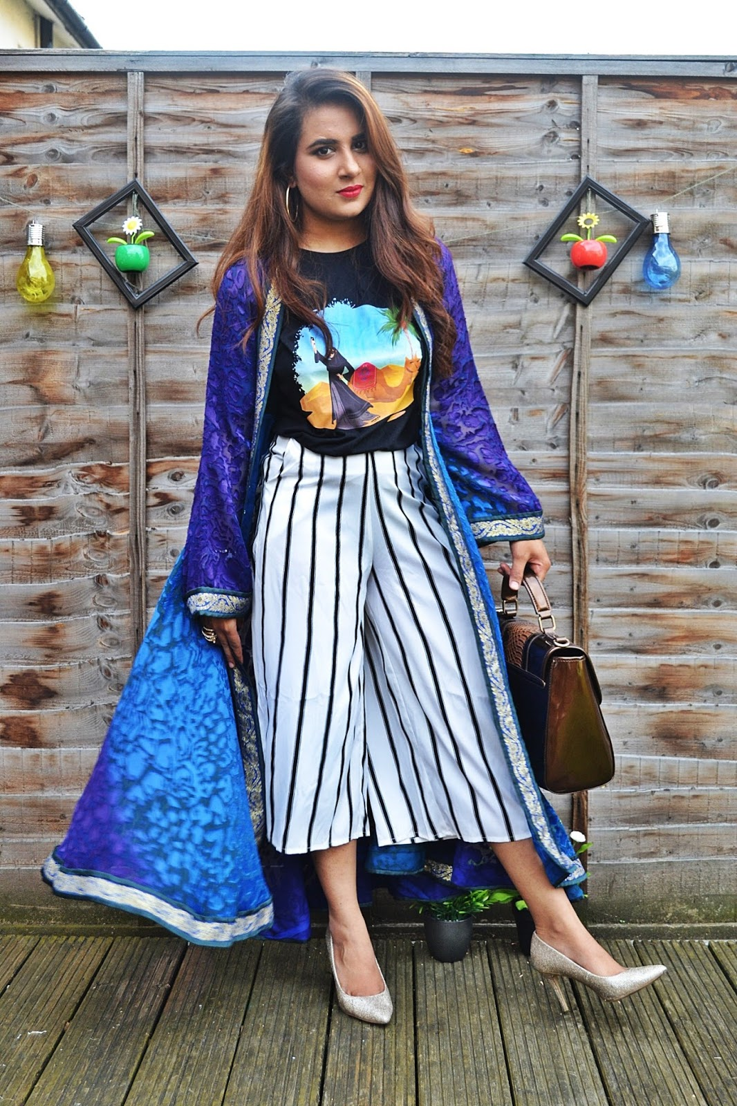 Its a proper fusion of eastern and western and a perfect outfit for an Eid  get together with friends. Whether it is a barbeque party