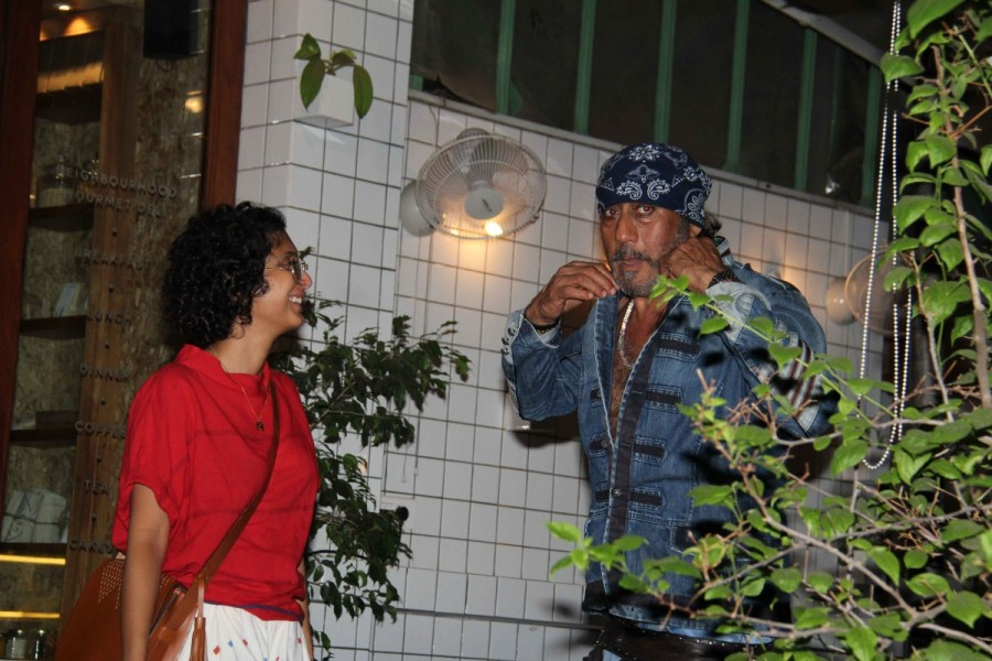 Jackie Shroff and Kiran Rao Spotted at Village Cafe