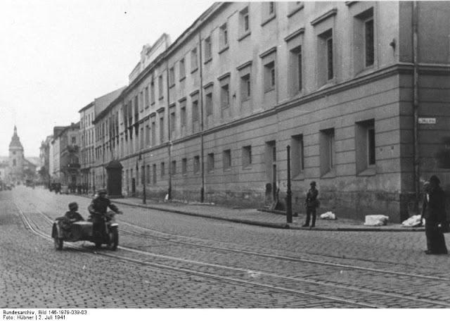 NKVD secret police jail in Lvov 2 July 1941 worldwartwo.filminspector.com