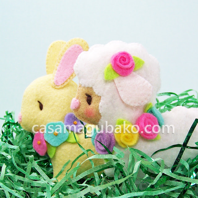 Easter Wall Hanging: Bunny and Lamb by casamagubako.com