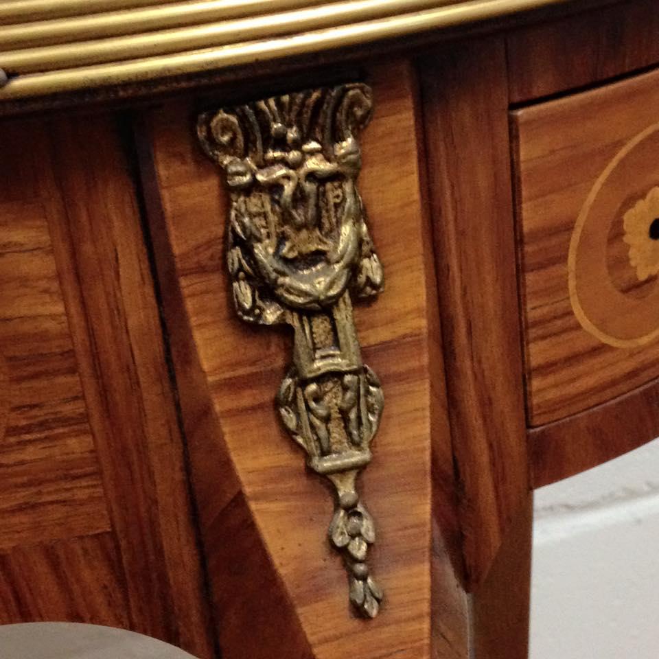 M i a mobili intarsiati artistici in stile copia dall for Mobili made