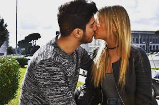 Camilla e Riccardo bacio