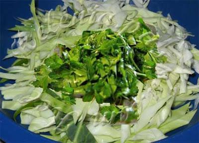 салат витаминка из капусты