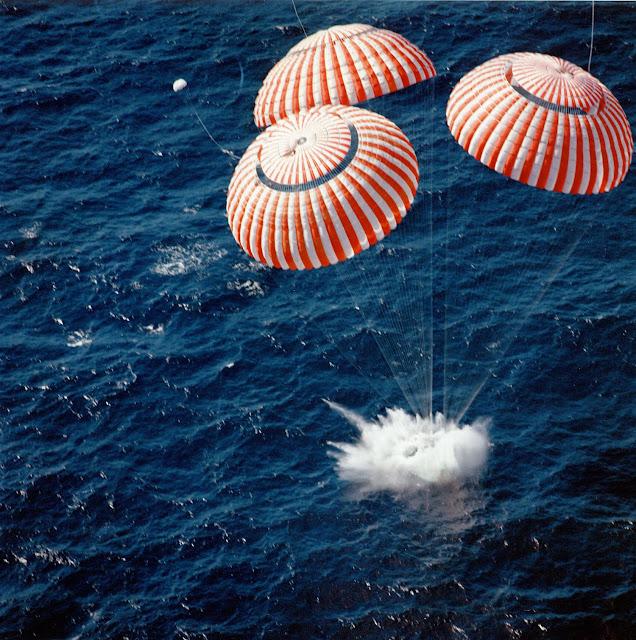 Аполло́н-16 Приводнение