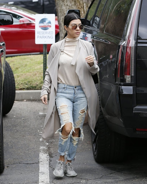 Kourtney Kardashian destroyed jeans