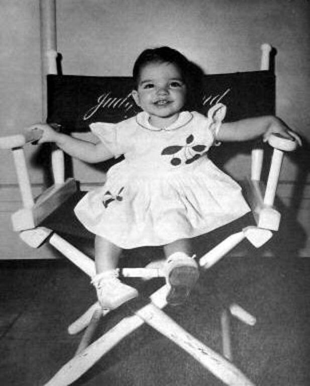 14 Adorable Photos of Baby Liza Minnelli From the 1940s and