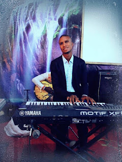 nigerian piano player