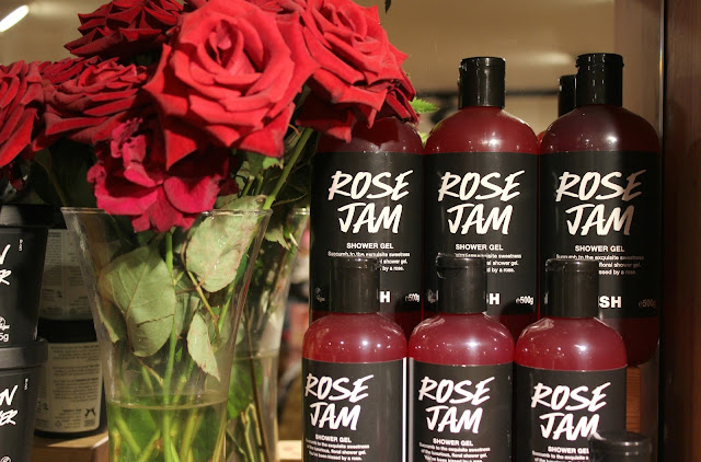 A Lush Rose Jam Shower Gel review