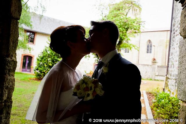 photo de couple, bisous des mariés, contre jour