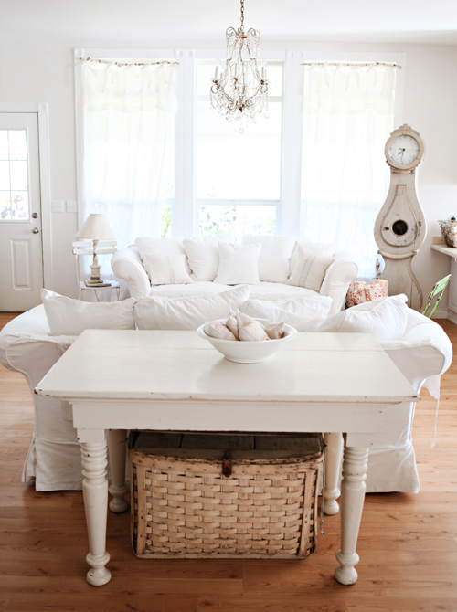 soft whites living room cottage country decorating