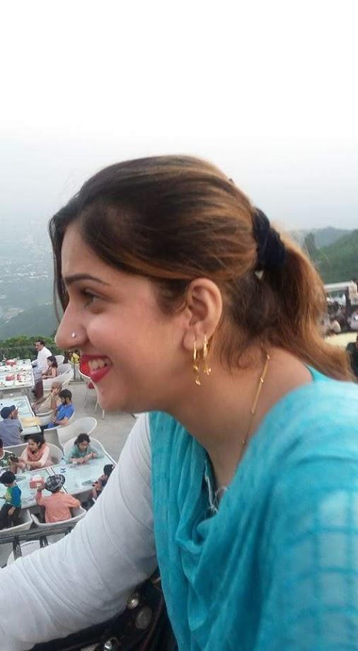 Pakistani Housewife  Unseen Photos