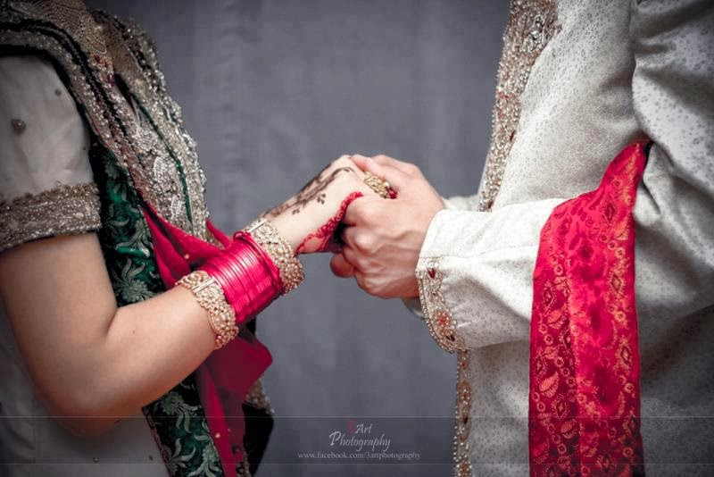 Cute Couple Holding Hands Wallpapers It Masti Sad Urdu Shayari Wallpapers Best Sad Urdu Poetry