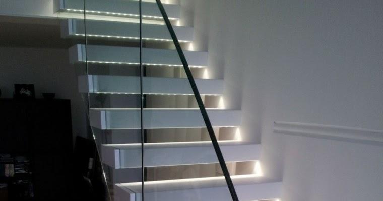 Iluminar ba os interiores for Iluminacion escaleras interiores