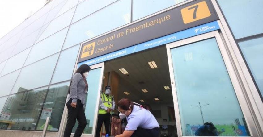 Pasajeros de avión deben estar tres horas antes en Aeropuerto Jorge Chávez para cumplir protocolo y evitar el contagio del coronavirus