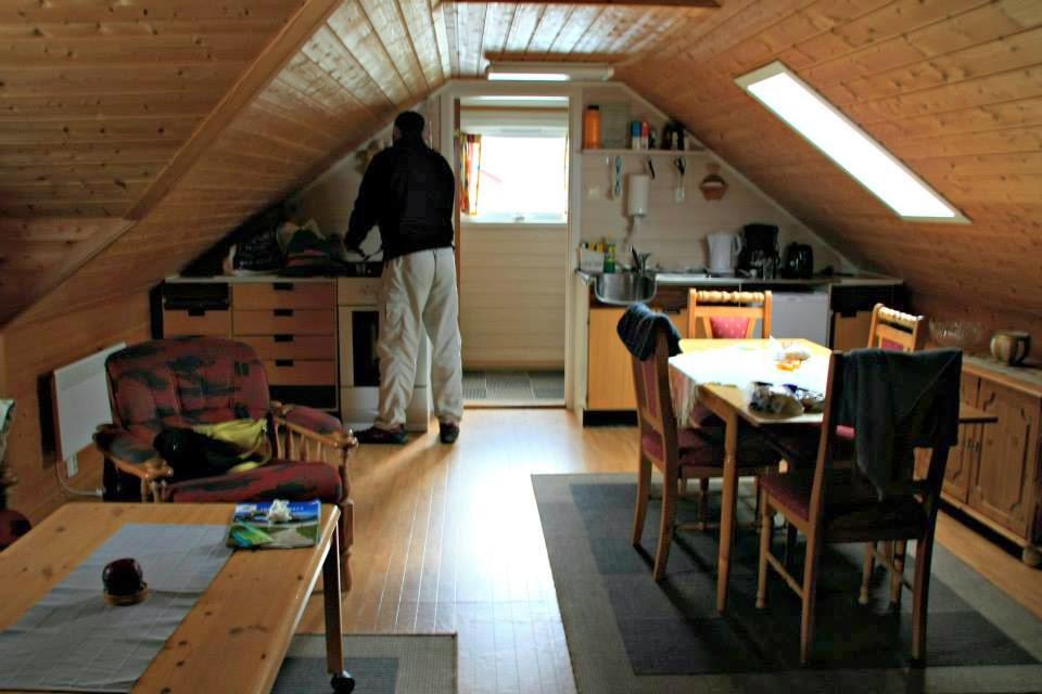 """Nuestra cabaña de pescadores en Ramsberg-""""rorbuer""""-, Islas Lofoten."""