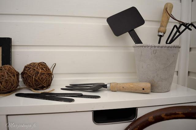 kodin3väriä sisustus rustiikki keittiö detail
