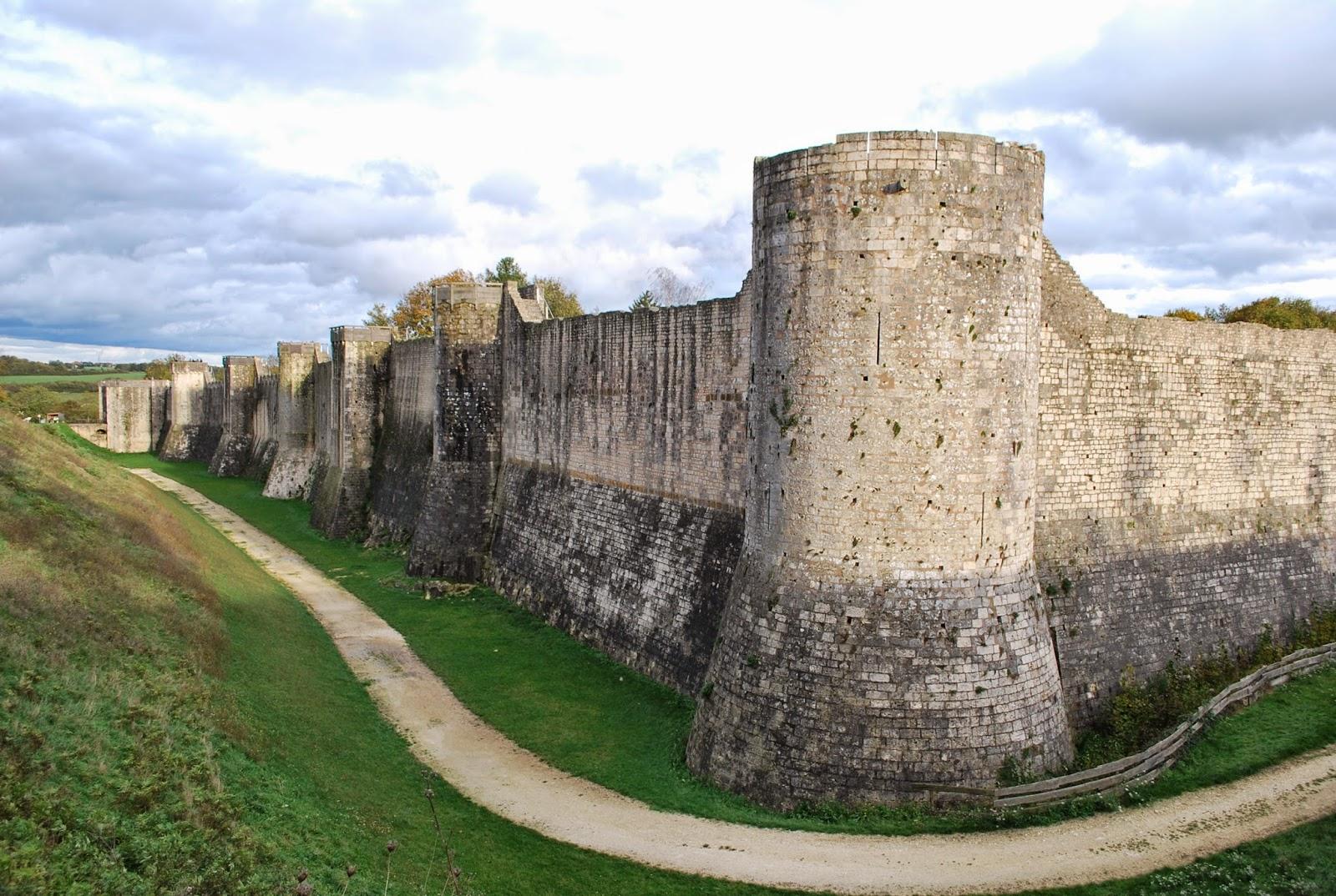 Moyen age architecture militaire