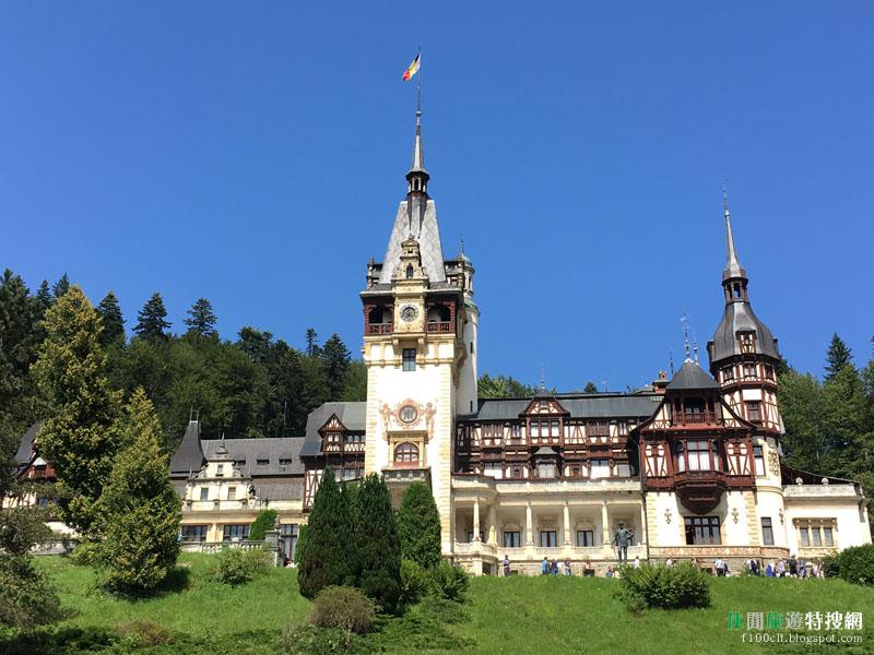 [羅馬尼亞.錫納亞] 華美至極的佩萊什城堡 與 莊嚴樸素的錫納亞修道院