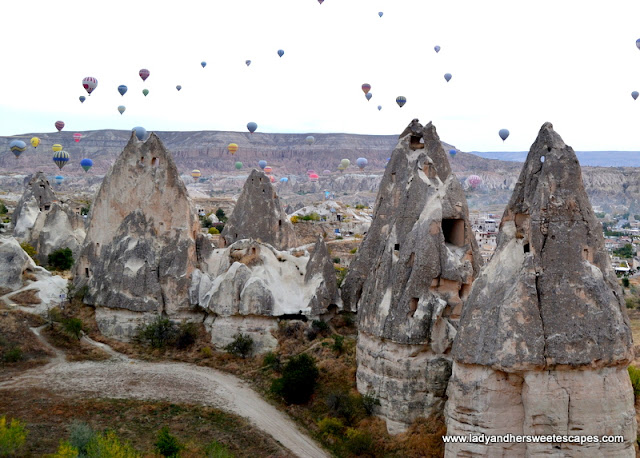 Hot air balloons in the fairy chimneys