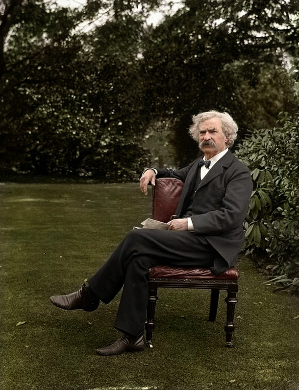 28 Realistically Colorized Historical Photos Make the Past Seem Incredibly Alive - Mark Twain, circa 1900