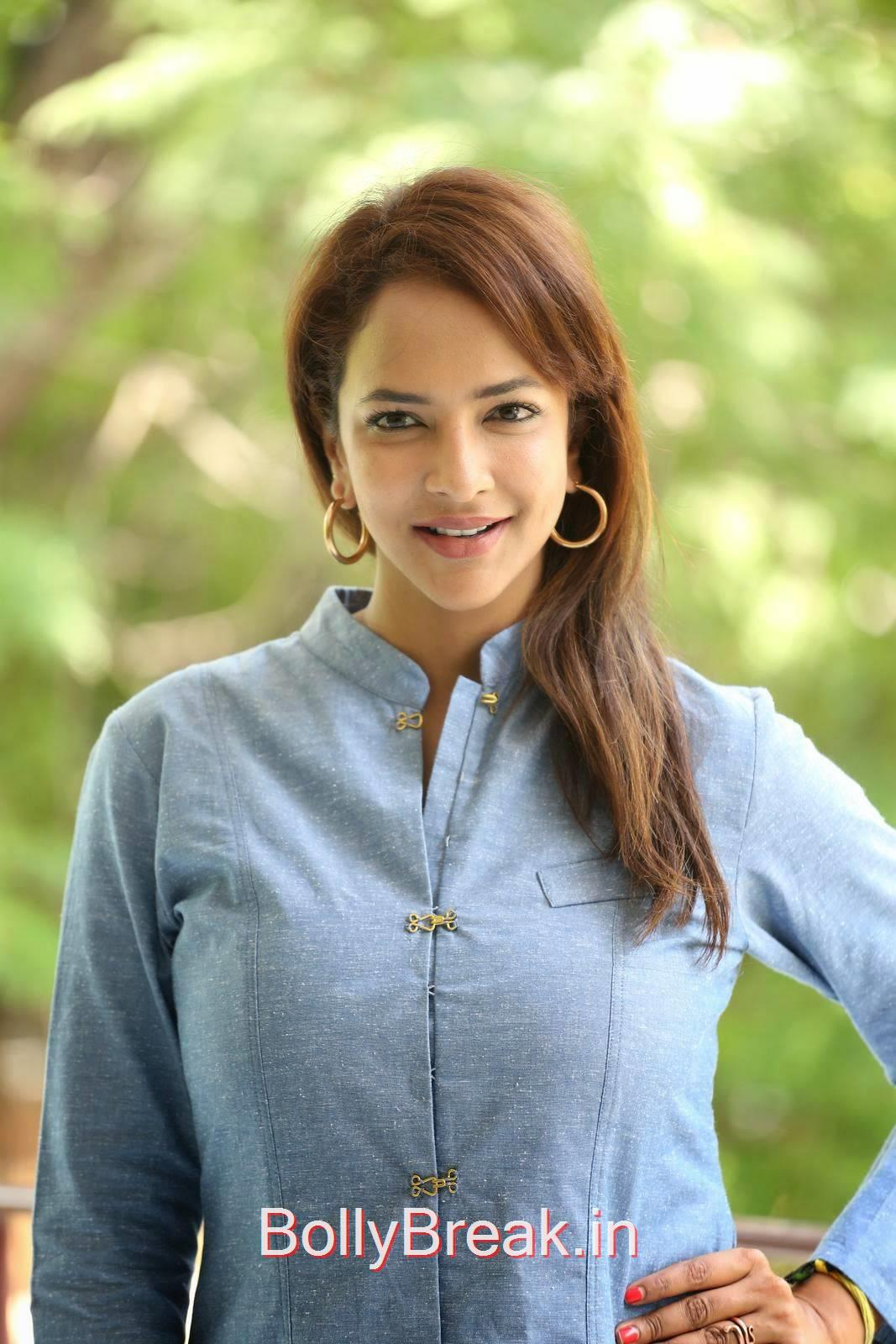 Manchu Lakshmi Photos, Manchu Lakshmi Latest hot Photo Gallery in HD