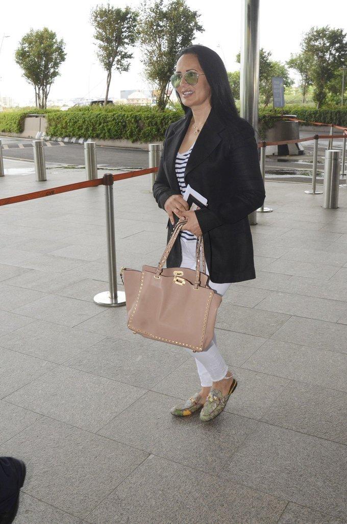 Ayesha Shroff Spotted at Airport