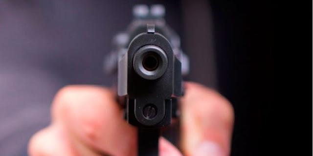 Dupla assalta agência dos Correios de Baraúna e levam arma de vigilante