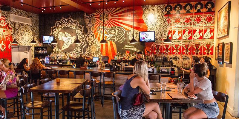 Wynwood Kitchen & Bar  Restaurante Com Arte Em Miami