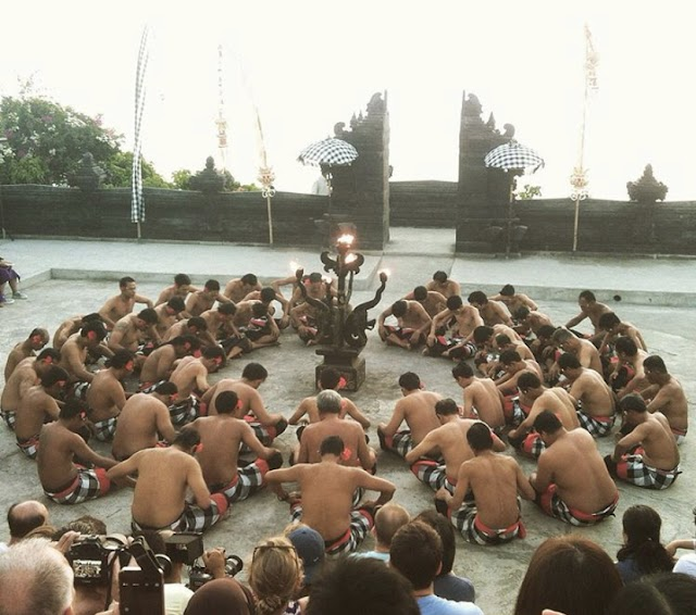 Bali Guide Part 2 - Kecak dance in hideous costume
