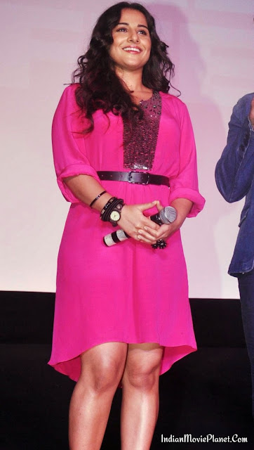 vidya balan hot thigh show pink dress legs