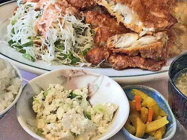 Jumbo Chicken Katsu, huge meal