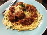 Cara Membuat Spagheti Meatball dan Mozarella
