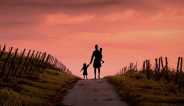 Maternité mère enfants amour inconditionnel liberté prendre le temps